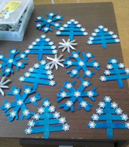 Snowflake popsicle craft