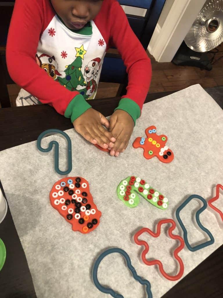 christmas play-doh craft