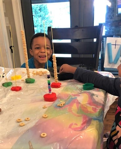 Check Out An Awesome Compilation Of The Best Fine Motor Activities Preschoolers Would Truly Love. These Fine Motor Skill Activities Shared By Great Mommies Are Great For Toddlers Too.