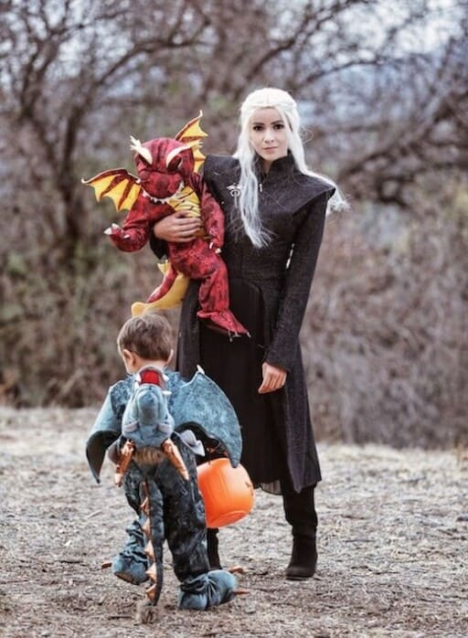 Looking for Awesome Family Halloween Costumes? Well You Don't Want To Miss These! We Included DIY Family Costumes, Easy Halloween Costumes, and Fun Character Costumes for Mom, Dad, Baby, and Kids