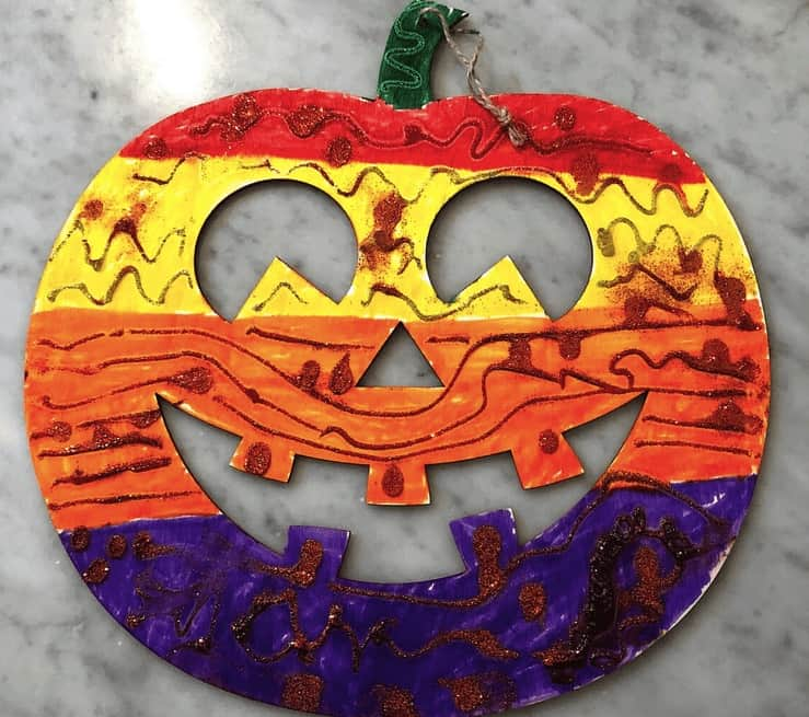 This Wood Jack-O_Lantern Halloween Craft For Kindergarten is so Simple! Halloween Crafts Are Awesome And This Activity Is One Of The Best For Creativity.
