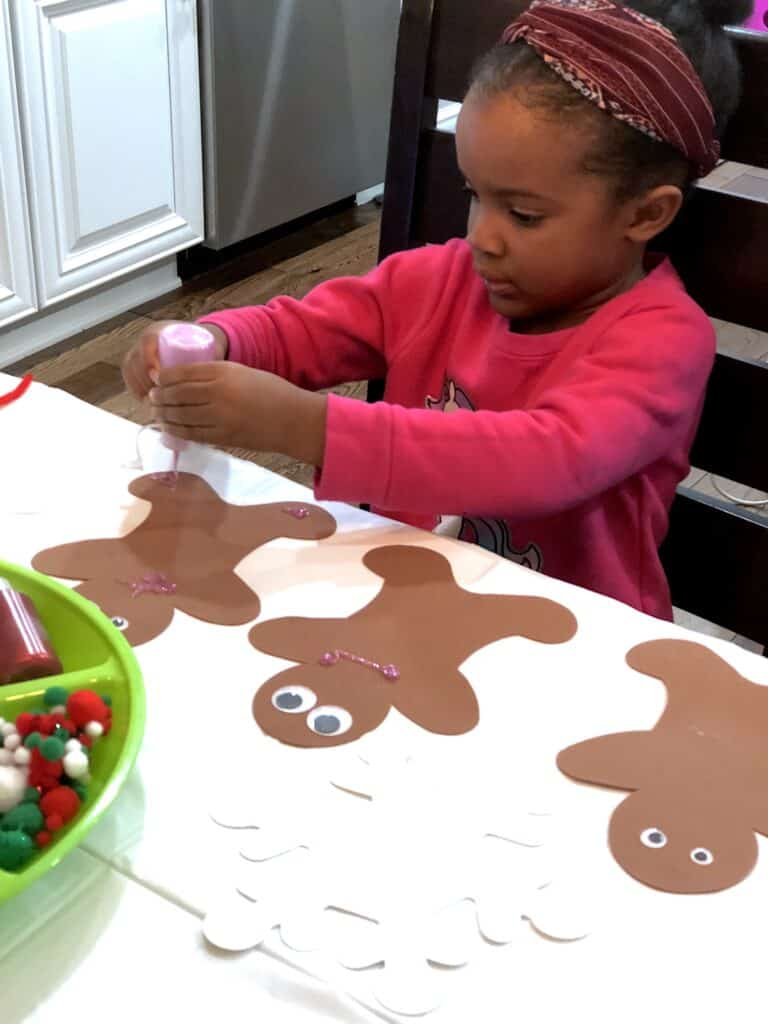 Christmas Crafts For Preschoolers Make This Time of The Year Special! This Activity Uses Gingerbread People And Decorating Supplies and To Create A Fun Craft. #christmascrafts #christmascraftsforkids