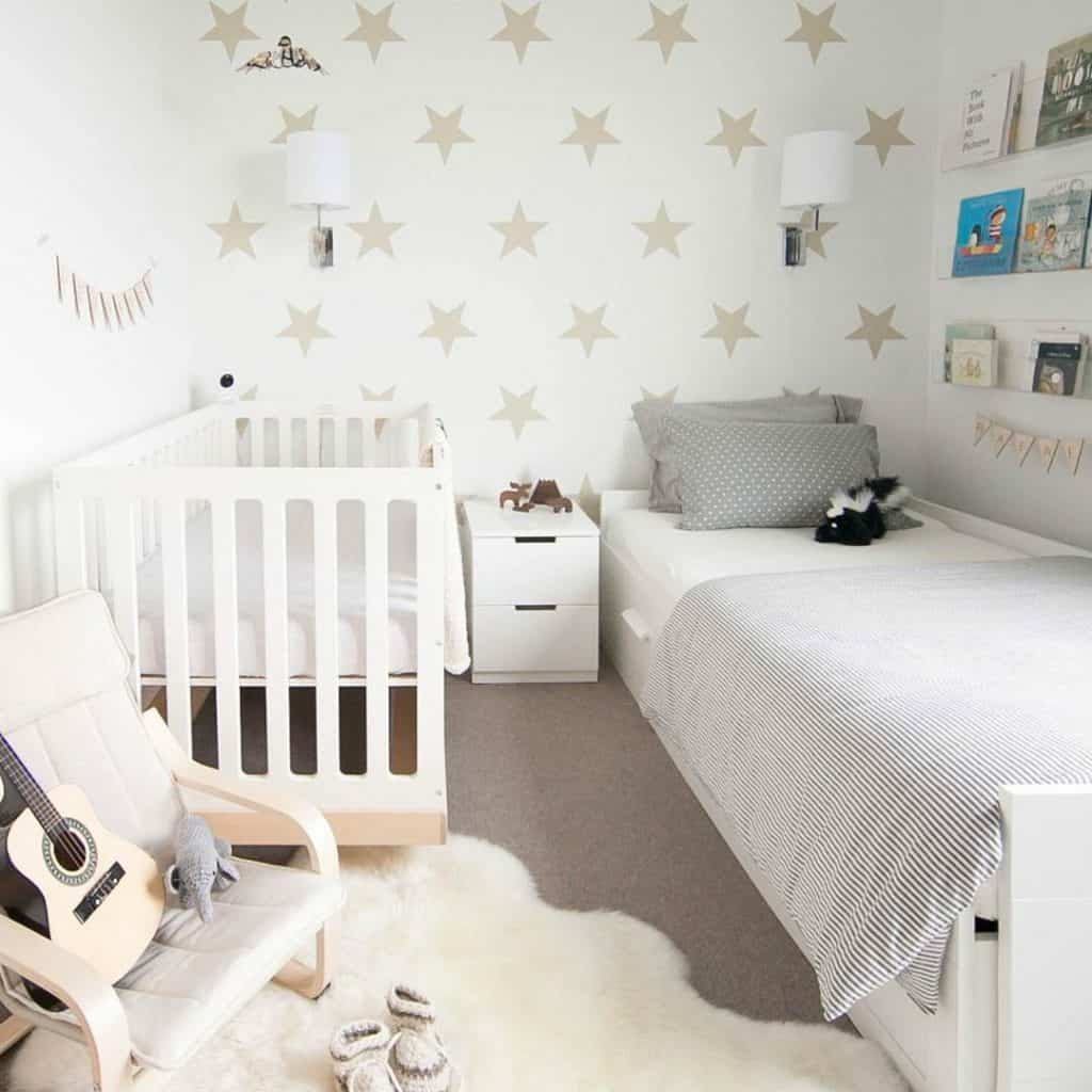 ideas-for-shared-kids-room-decorate-with-stick-on-decals