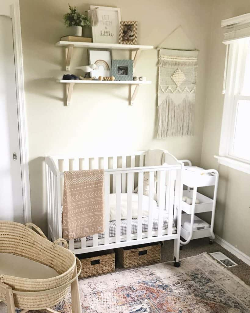 ideas-for-shared-kids-room-opt-for-a-smaller-crib